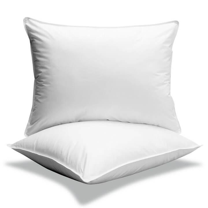 Travesseiros em um fundo branco