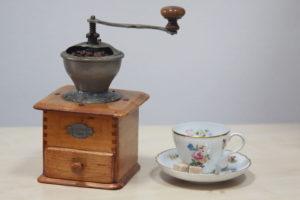 Moedor manual tradicional de café